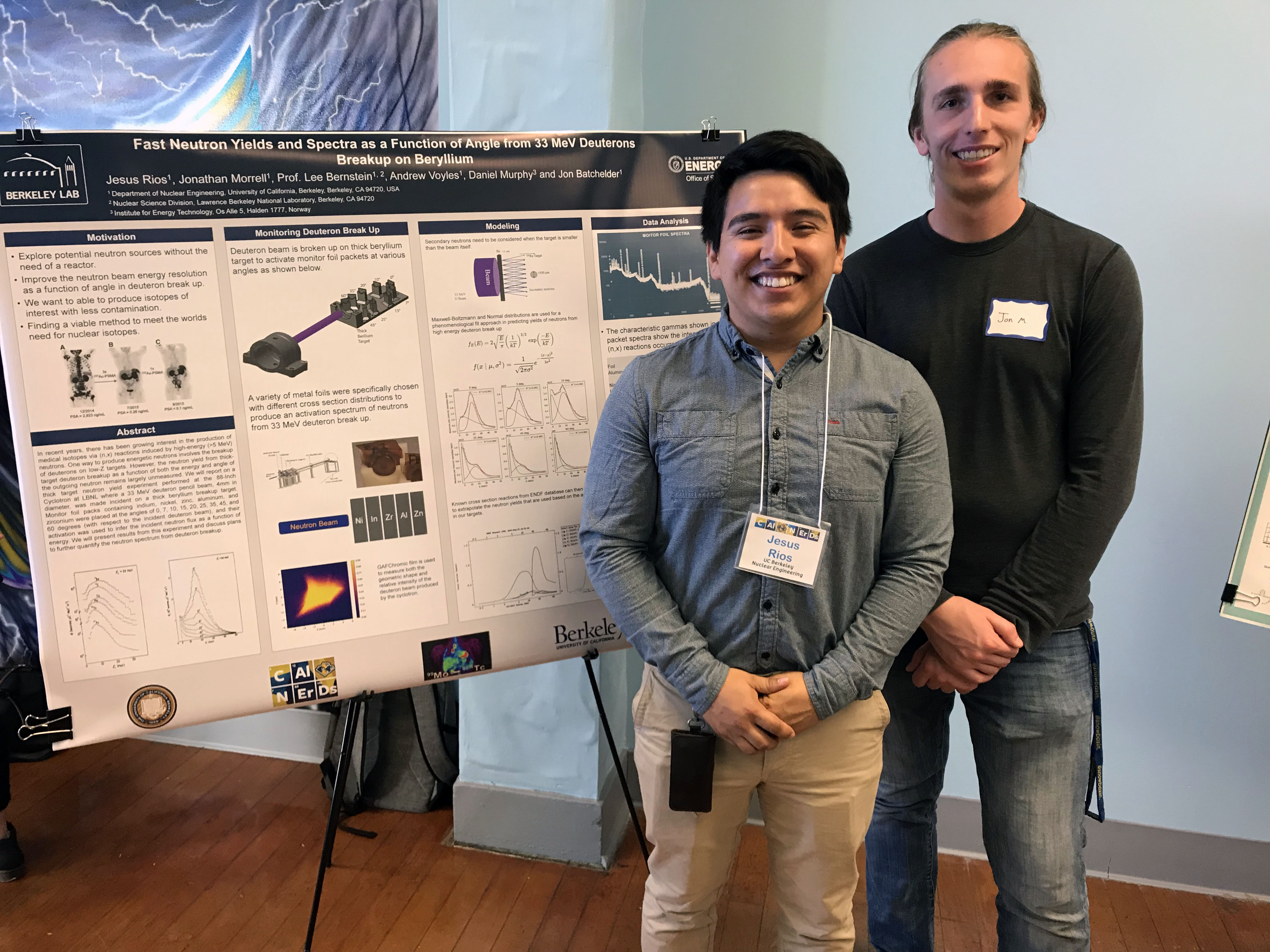 Photo of #CalNERDS Research Scholar Jesus Rios and his mentor in front of his research poster.